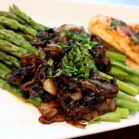 Asparagus with Caramelized Balsamic Onions