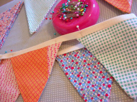 How to make a Bunting – Holiday Decoration