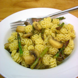 Lemon pasta salad with Asparagus and Mushrooms