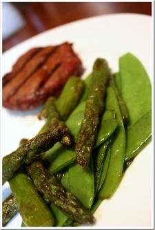 Locavore – Sirloin and CSA Snow Peas + Asparagus