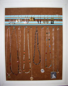 Solving the jewelry storage problem