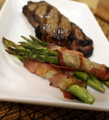 Steak and Bacon-Wrapped Asparagus with Chili Lime Sauce