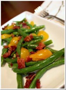 Summer Green Bean Tomato Bacon Salad