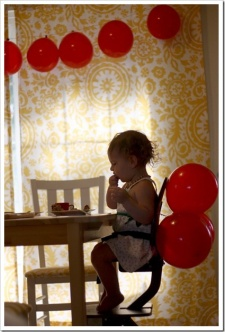 Easiest Ever Balloon Garland