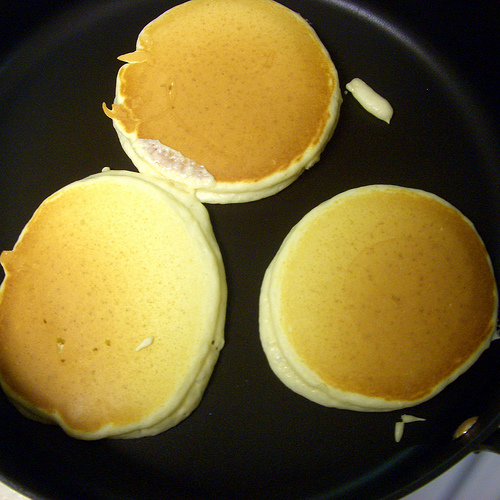 How to make pancakes / chocolate chip pancakes