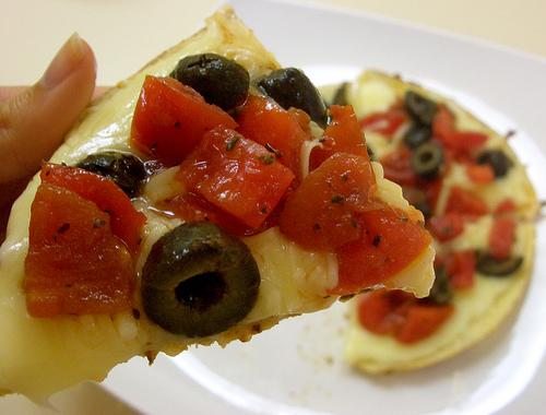 Bruschetta pizza-dilla