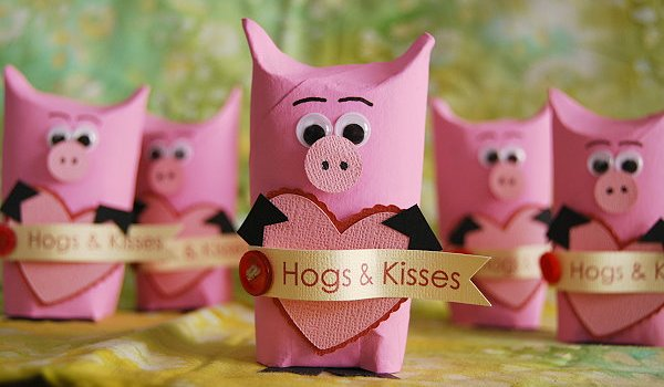 hogs and kisses pig valentine gift box