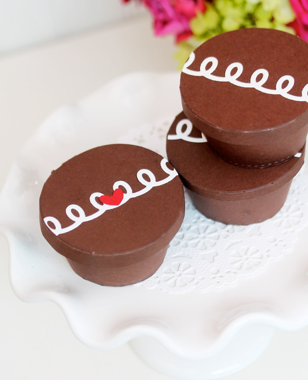valentine boxes that look like hostess cupcakes
